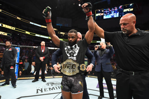 Woodley derrota Darren Till e mantém cinturão no UFC 228; Bate-Estaca atropela Kowalkiewicz
