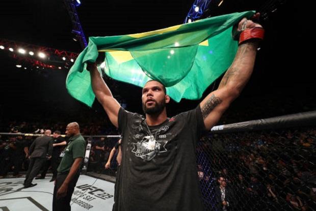 Marreta sobe para quarto em ranking meio-pesado do UFC após vitória sobre Blachowicz; veja atualização