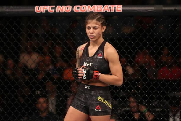 Mayra Bueno revela lesão no joelho durante o UFC São Paulo e celebra finalização: 'Tiro de misericórdia'
