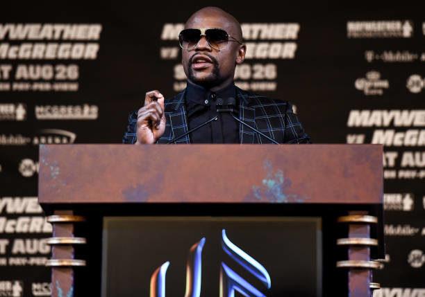 Floyd afirma que nunca topou luta oficial contra Tenshin e ressalta 'aposentadoria'