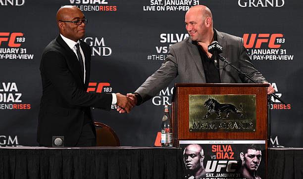 Anderson revela conversa com Dana pra enfrentar Adesanya: 'Vitória e o cinturão'
