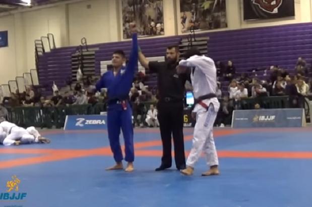 Vídeo: reveja a batalha entre Michael Liera Jr. e Felipinho César pelo título absoluto no NY Open da IBJJF