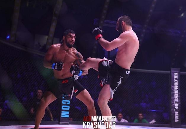 De volta à categoria que o consagrou no MMA nacional, brasileiro Toninho Fúria busca segunda vitória no ACB