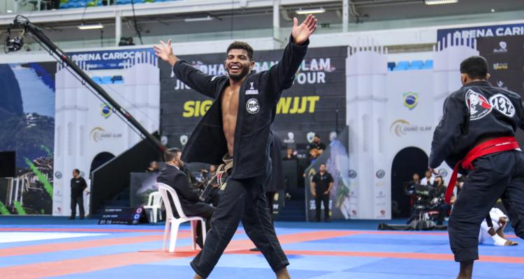 Destaque na faixa-marrom, Lucas Gualberto comenta vitória no 'coração' no Grand Slam da UAEJJF