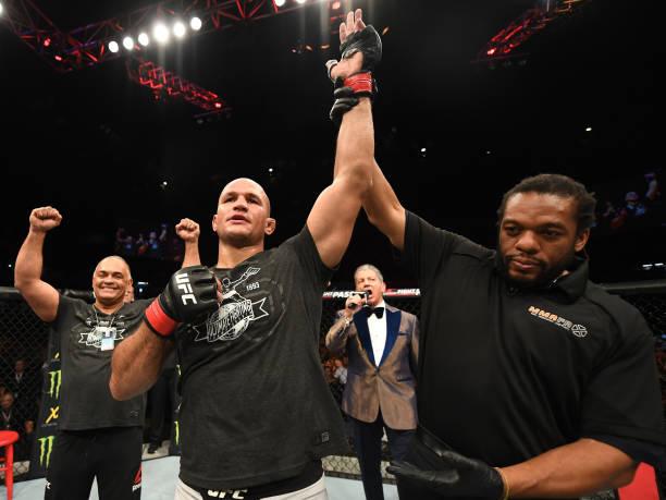 Cigano e Shogun nocauteiam e dão show no UFC Adelaide; Wilson Reis vence no card preliminar