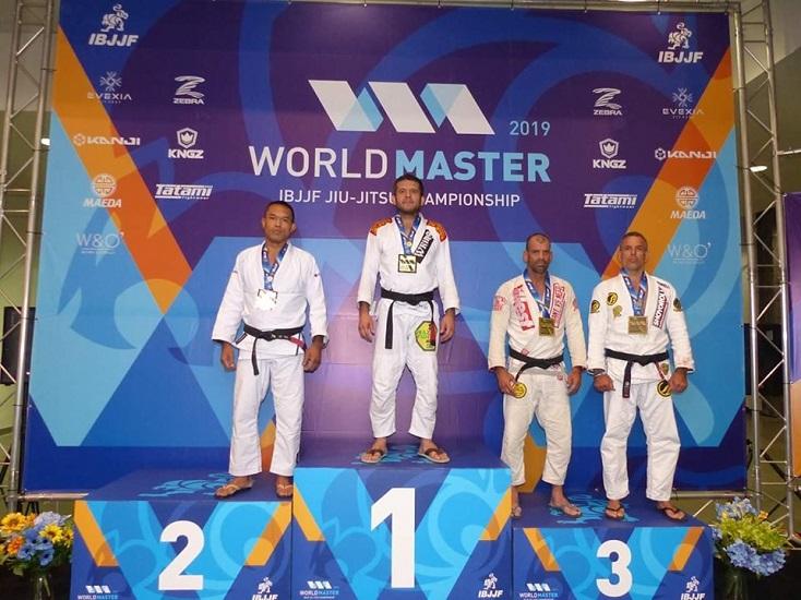 Marco Barbosinha e Karla Hipólito são destaques no encerramento do Mundial Master da IBJJF; saiba mais